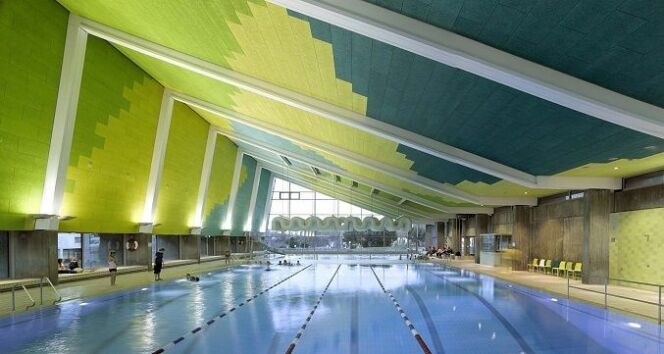 """Concours Pool Vision : les plus belles piscines récompensées à Piscine Global !<span class=""""normal italic petit"""">© M. Martin Reimer (4A Architekten) - projet « Sports Centre Leonberg » (Allemagne)</span>"""