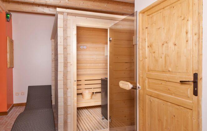 Conçu sur mesure, le sauna peut tenir dans un minimum de place pour un maximum d'effets. © Clair Azur Spas