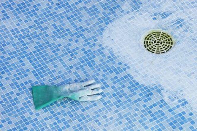 Condamner la bonde de fond d'une piscine
