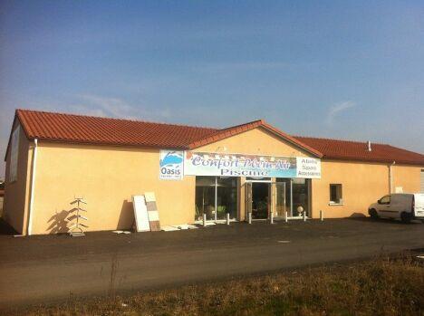 "Confort Plein Air (Oasis Piscines et Spas) à Brioude<span class=""normal italic petit"">© Confort Plein Air</span>"