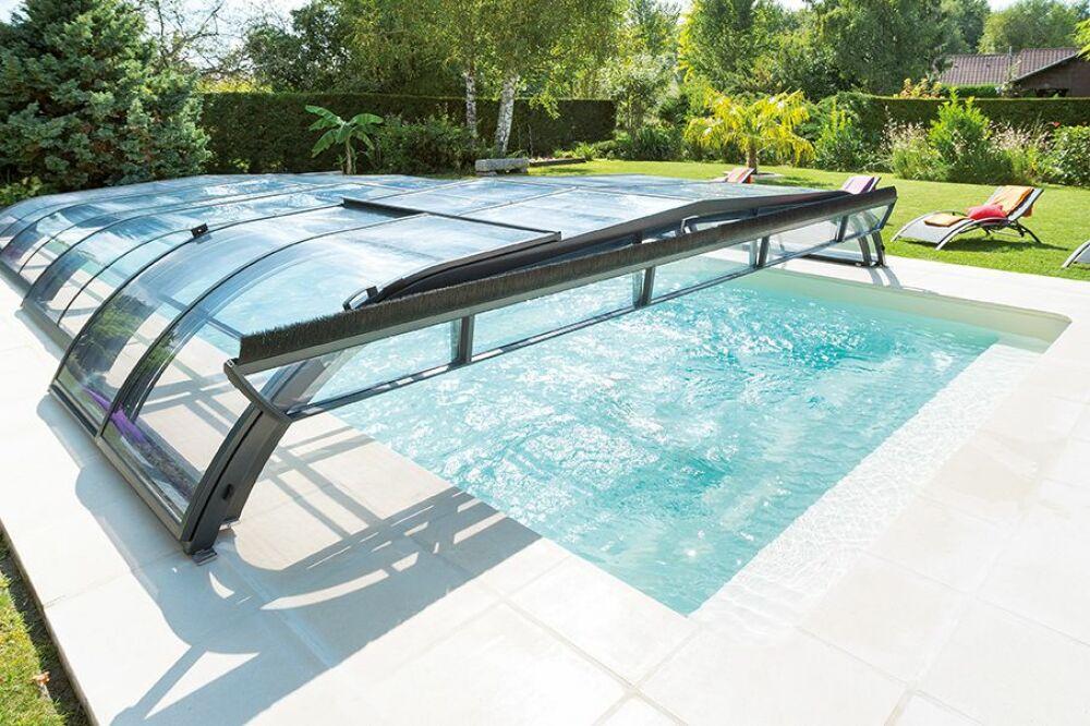 Conseils d'entretien pour votre abri de piscine© Abri Piscine Gustave Rideau - Photo : AXXESS