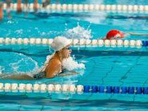 Comment nager plus vite en brasse ?