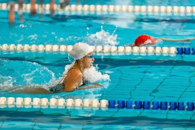 Conseils pour nager plus vite en brasse