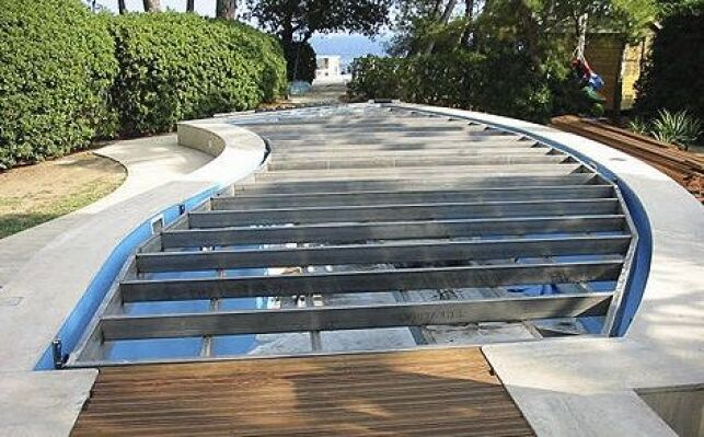 Construction d'une piscine à fond mobile
