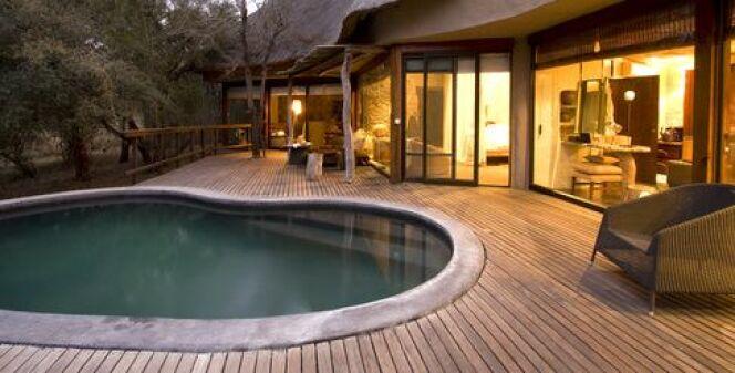 Construction d'une piscine en madrier de bois