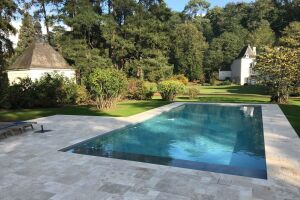 Construction de piscine enterrée à Gennes