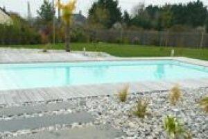 constructeur piscine angers