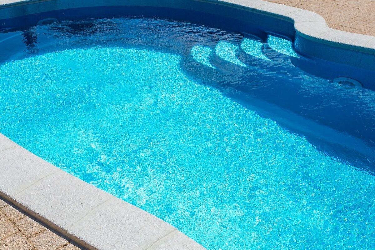 Construire Sa Piscine Soi Meme Prix construire sa piscine pas cher : une piscine dans votre