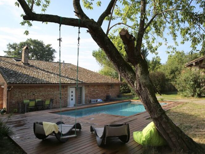 "Construire une piscine en copropriété<span class=""normal italic petit"">© Piscine Marinal</span>"