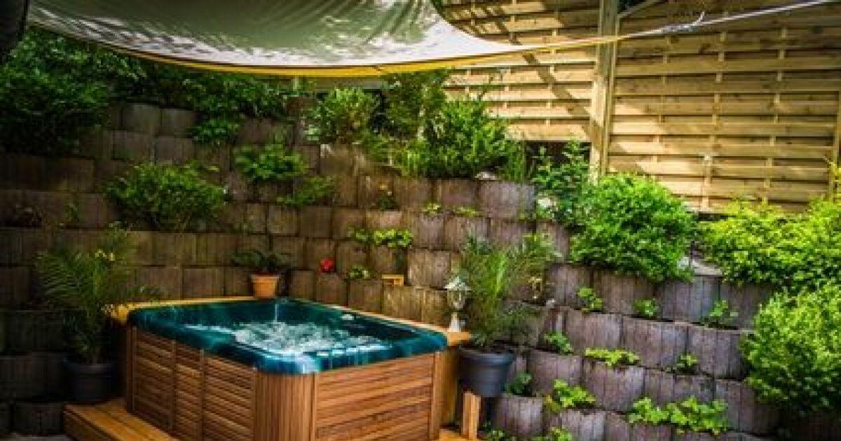 la coque de jacuzzi l 39 l ment de base de votre bain bulles. Black Bedroom Furniture Sets. Home Design Ideas