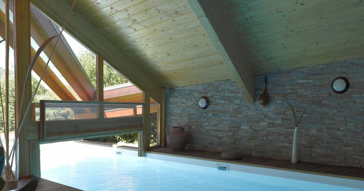 Reportage photos ma maison avec une piscine int rieure et ext rieure coul - Couloir de nage interieur ...
