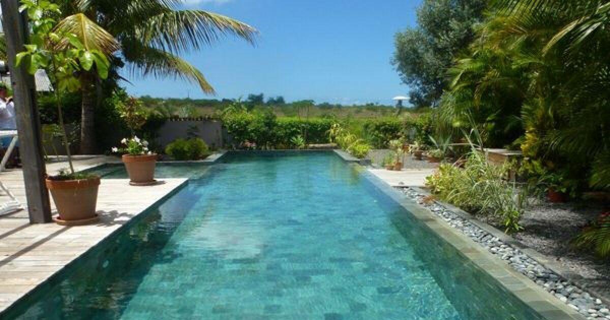 Les plus belles piscines avec du carrelage couloir de nage carrel photo 7 - Carrelage piscine grand format ...