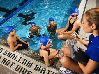 Les cours de natation : individuels, collectifs ou en stage