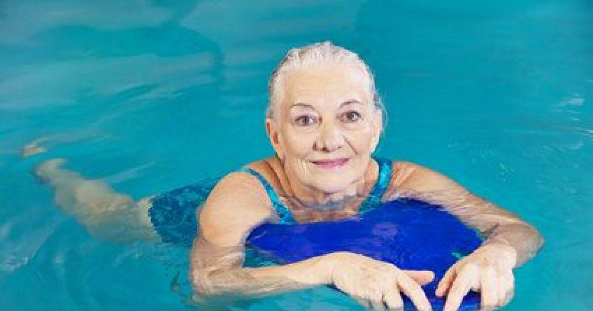 Cours de natation pour seniors for Piscine cours de natation