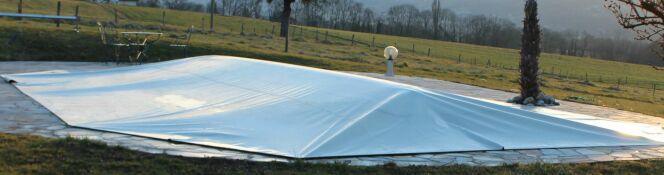 Couverture de piscine Covertop, par Poolco - Effet chapiteau