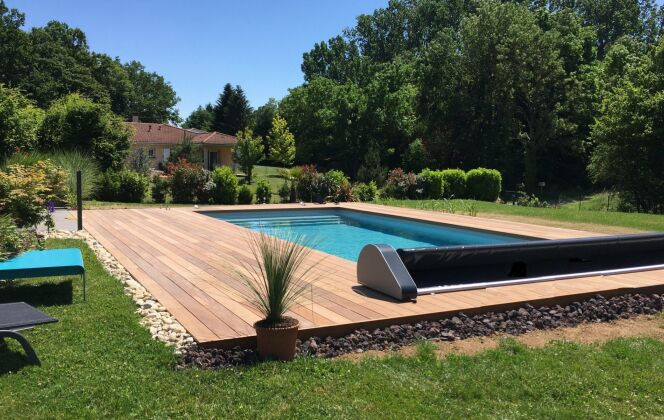 Pose de couverture de piscine Oré - Sphère Confort © Oré