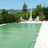 Couverture quatre saisons pour la piscine : protéger son bassin toute l'année !