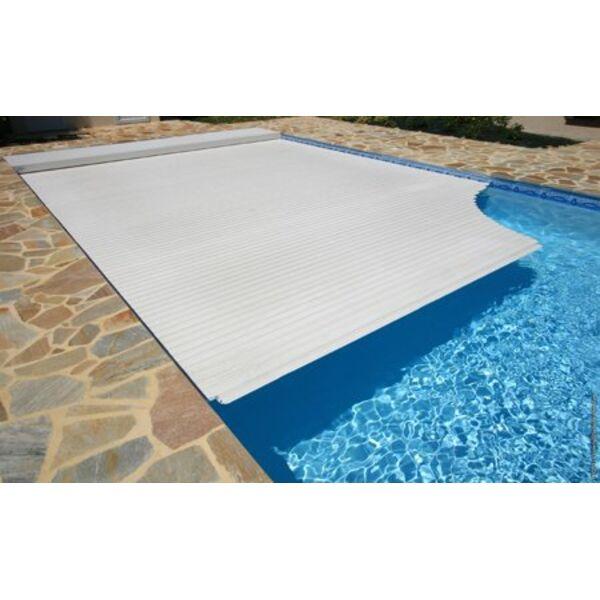Couverture de piscine s curisez et prot gez for Couverture de piscine