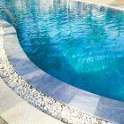 Crédit pour l'achat d'une piscine : bien réfléchir avant de s'engager