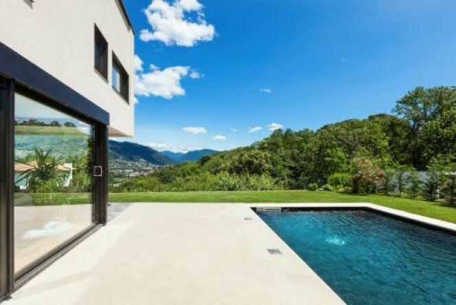 """Construire une piscine à la montagne peut tout à fait être possible.<span class=""""normal italic petit"""">© piovesempre - Thinkstock</span>"""