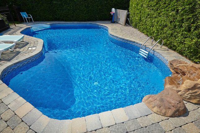 Dalles et dallages pour piscine