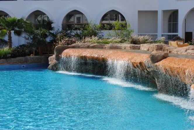 """De l'acide chlorhydrique pour la piscine<span class=""""normal italic petit"""">© coco494 - Fotolia.com.jpg</span>"""