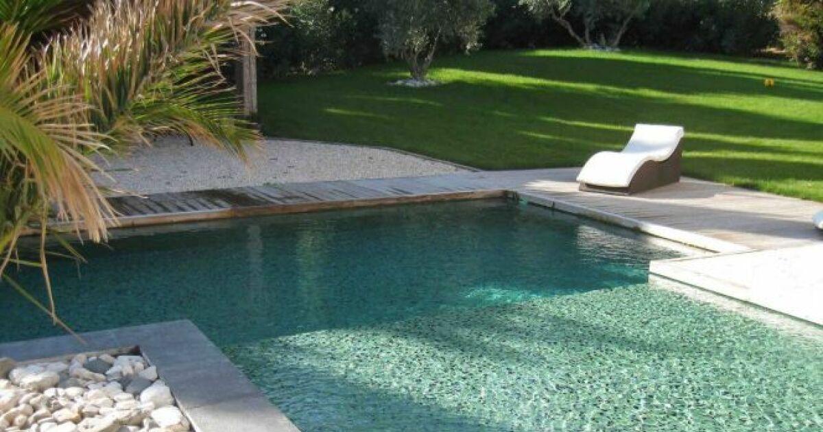 Piscine avec rev tement en mosa que petits carreaux - Enduit etanche pour piscine ...