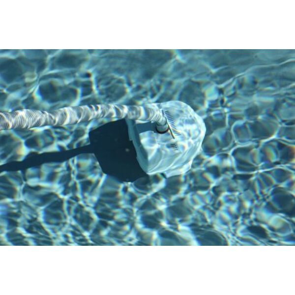 Le balai de piscine avec filtre for Balai fond de piscine