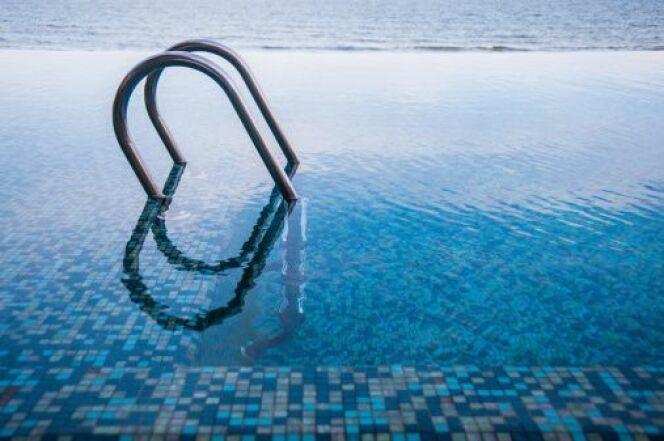 Découvrez le prix d'une échelle de piscine