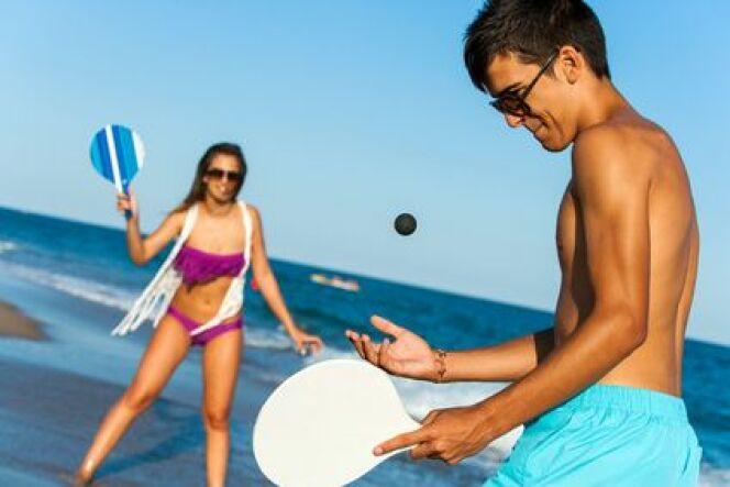 Découvrez une sélection d'activités à faire à la plage, pour petite et grands.