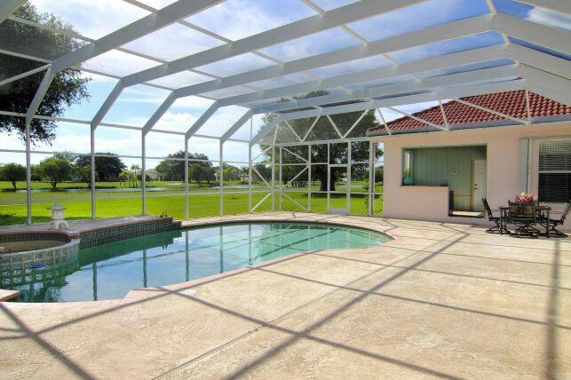 Démarches administratives pour la pose d'un abri de piscine
