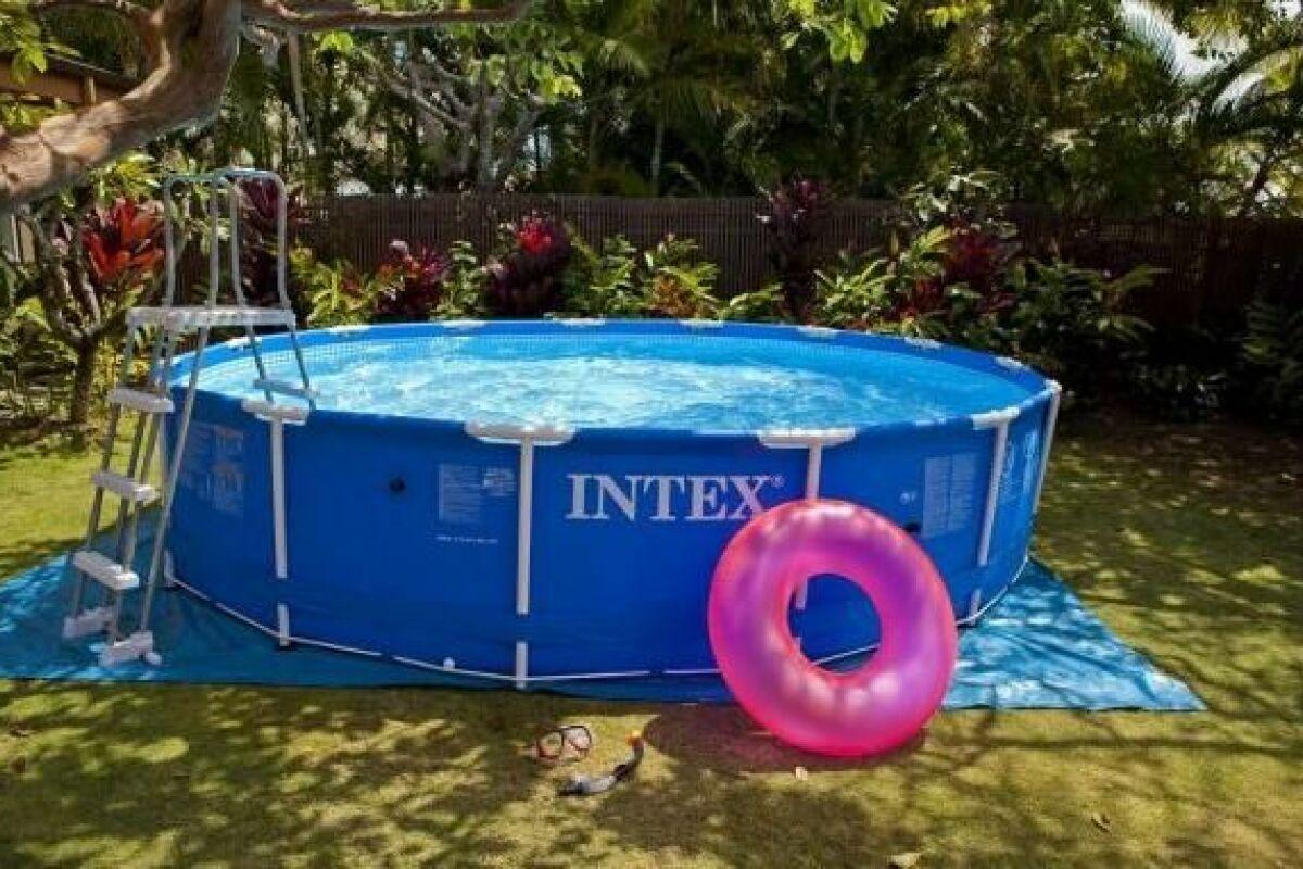 Démonter sa piscine tubulaire en hiver - Guide-Piscine.fr