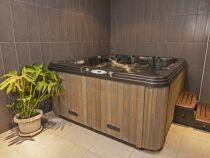 Le lève spa ou « spa wedge » pour soulever et déplacer un spa