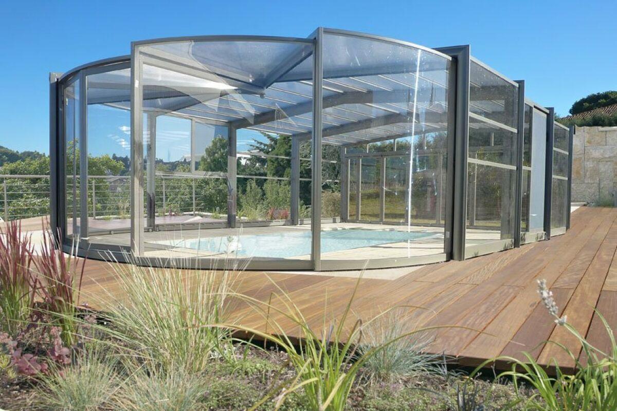 Abris De Spa Rond des abris de piscine arrondis, en rondeurs - guide-piscine.fr