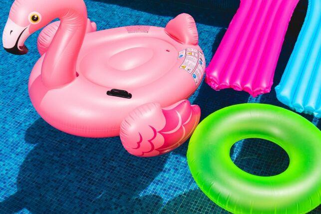 Des accessoires de loisirs dans votre piscine