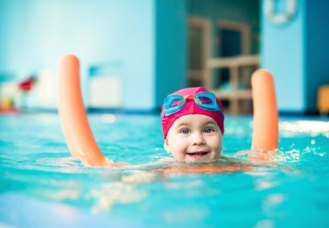 Des cours de natation pour les jeunes enfants