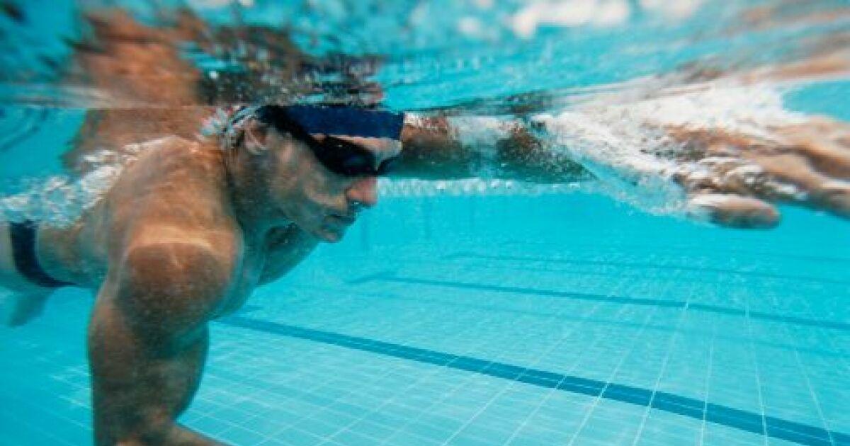 Des exercices pour avoir des abdos en b ton dans l eau - Entrainement piscine pour maigrir ...