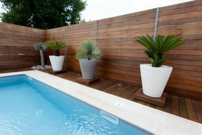 Des margelles pour votre piscine