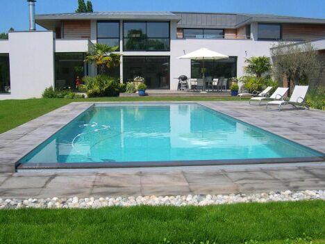 Des moments de bonheur à partager en famille ou entre amis dans cette piscine familiale