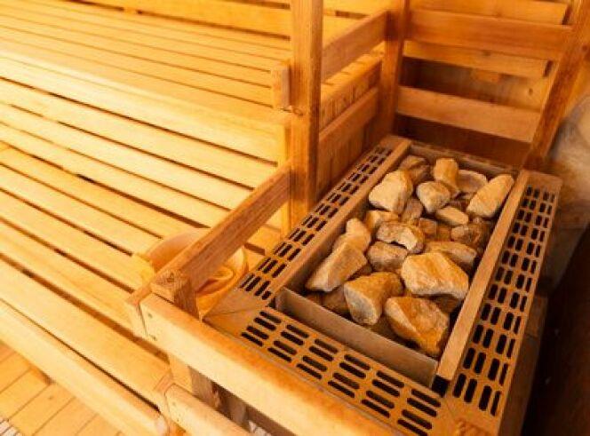 """Les pierre aident votre sauna à vapeur ou électrique à rester chaud plus longtemps.<span class=""""normal italic petit"""">© Christian Schwier - Fotolia.com</span>"""