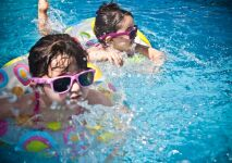 Des tutos pour familiariser les enfants avec l'eau