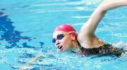 Des vertiges après la natation