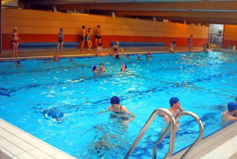 """Des leçons de natation sont dispensées à la piscine d'Arques<span class=""""normal italic"""">DR</span>"""