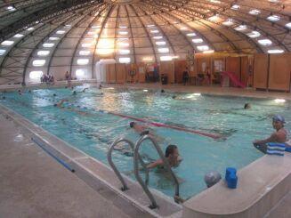 Des lignes sont réservées aux nageurs à la piscine Tournesol de Privas