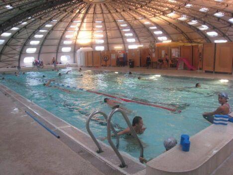 """Des lignes sont réservées aux nageurs à la piscine Tournesol de Privas<span class=""""normal italic petit"""">DR</span>"""