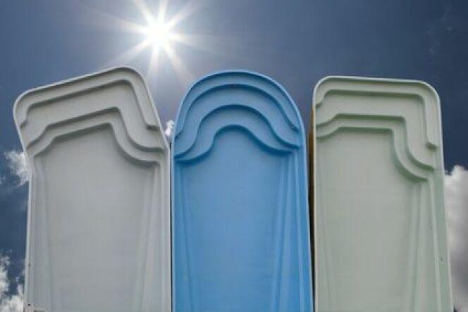 """Le déstockage de piscine permet d'acheter une piscine moins chère.<span class=""""normal italic petit"""">© Cyril Comtat - Fotolia.com.jpg</span>"""