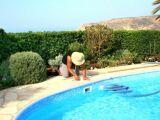 Détartrer le filtre d'une piscine