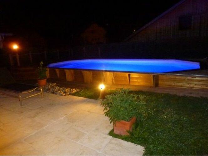 """Le devis pour une piscine hors-sol peut être utile pour un projet ambitieux. <span class=""""normal italic petit"""">© Arizona Pool</span>"""
