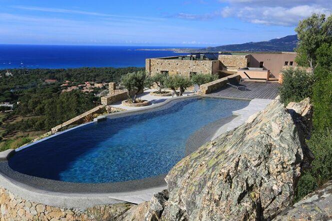 Les 27 piscines prim es aux troph es de la piscine 2015 piscine diffazur - Les plus belle piscine ...