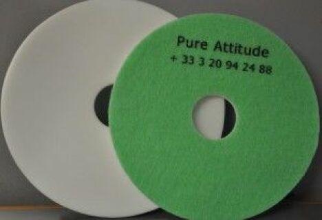 "Disque de gommage Pure Attitude<span class=""normal italic petit"">© www.adnnord.com</span>"